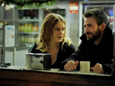 Alice Eve y Chris Evans en 'Before we go'