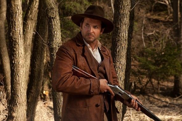 Bradley Cooper, arma en ristre en 'Serena'