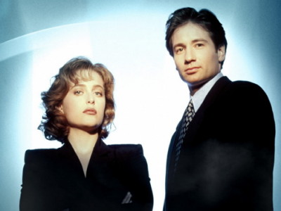 David Duchovny y Gillian Anderson en una imagen de 'Expediente X'