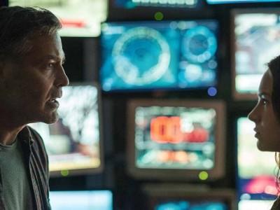 George Clooney y Britt Robertson en 'Tomorrowland'