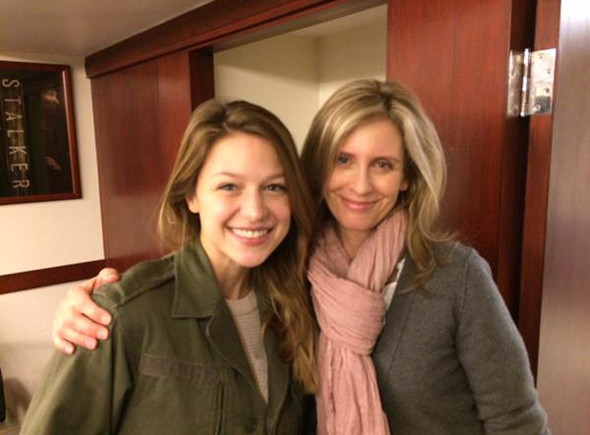 Una imagen de Melissa Benoist y Helen Slater